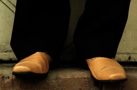 los-zapatos-amarillos-mini